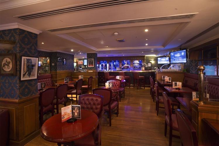 Pub Inglés Sherlock Holmes Arabian Courtyard Hotel & Spa Bur Dubai